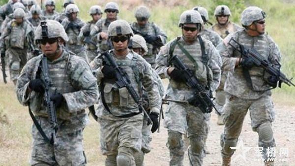 图为美国陆军士兵