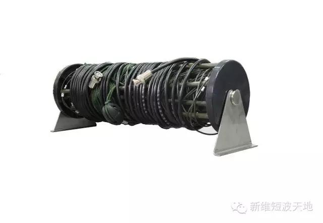 新维科麦 AB330S-18双极便携天线